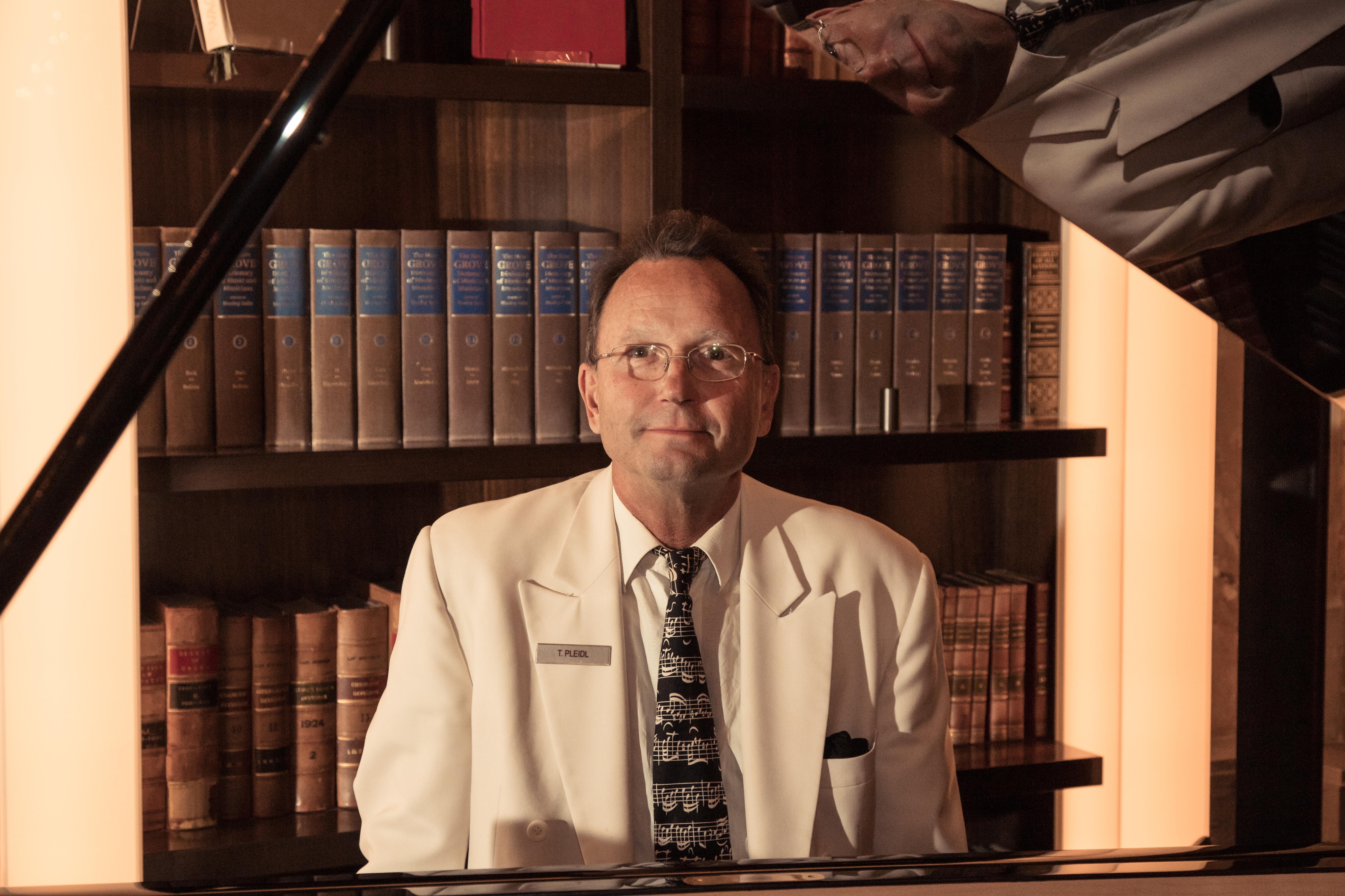 Wiener Barpianist Thomas Pleidl im Hotel Imperial