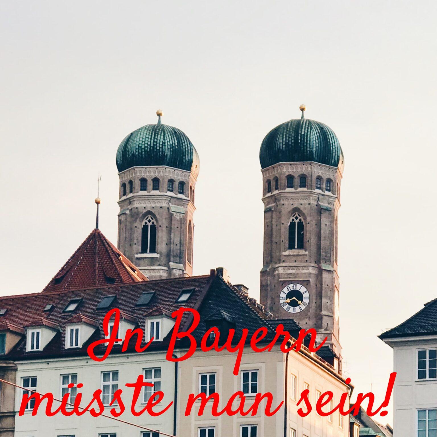 Marienkirche mit zwei Türmen aus München. Dort spielt der Bayrische Barpianist Martin Kainz Musik der Wiener Barpianisten.